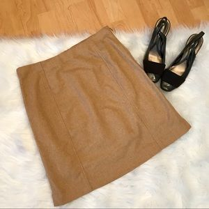 Banana Republic Factory wool camel colored skirt